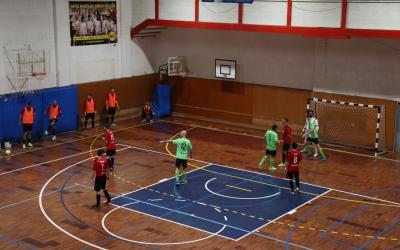 Els jugadors de l'Escola Pia en una acció contra el Pallejà | Carles Bellart