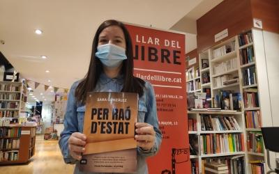 Sara González ha presentat a Sabadell 'Per raó d'estat' a La llar del llibre   Pau Duran