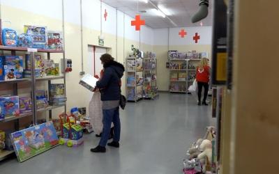 La 'botiga' de la Creu Roja ja funciona a Fira Sabadell/ Roger Benet