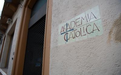 Imatge de la façana de l'Acadèmia Catòlica, al carrer Sant Joan | Roger Benet
