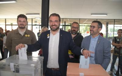Juli Fernàndez votant durant els últims comicis estatals   Roger Benet
