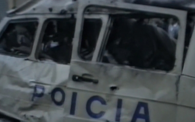 Imatge del furgó policia destrossat per l'explosió | Cedida
