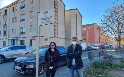 Marta Morell i David Marín, a la plaça Cipriano Martos, un dels espais de memòria històrica de la ciutat/ Karen Madrid