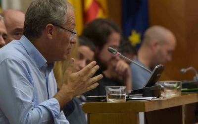 Carles Rossinyol, en un Ple municipal/ Roger Benet