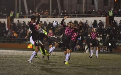 Ibiza i Romero, en una acció del partit | Peña Deportiva
