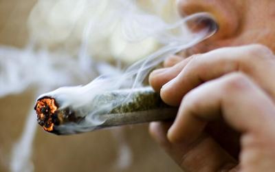 Imatge d'una cigarreta de cànnabis/ Cedida