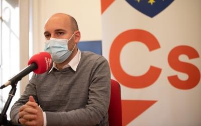 Adrián Hernández, durant l'entrevista a 'El Cafè de la Ràdio' | Roger Benet
