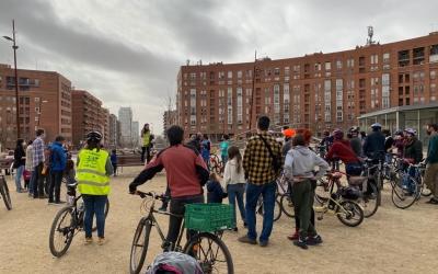 Els ciclisres abans de sortir de la plaça d'Espanya | Dani Marinova