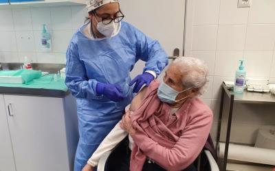 Rosa Moreno s'ha vacunat aquest matí al CAP Nord | Cedida