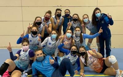 Alegria a la plantilla del Club després del triomf a Sant Cugat | CNS Vòlei