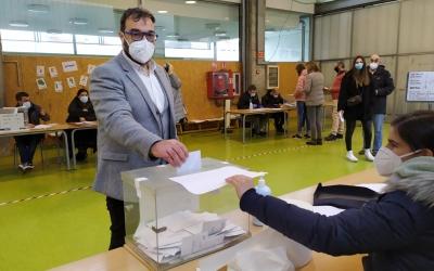 Juli Fernàndez votant el 14-F | Esquerra Republicana