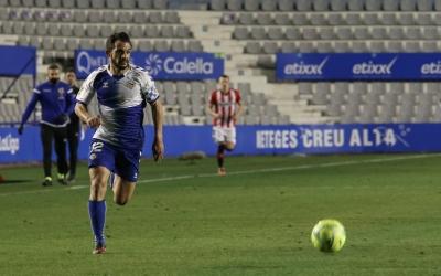 Óscar Rubio, en una cursa en el darrer partit contra el Logroñés | CES