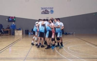 Pinya del final del partit contra el Lleida | CNSVolei