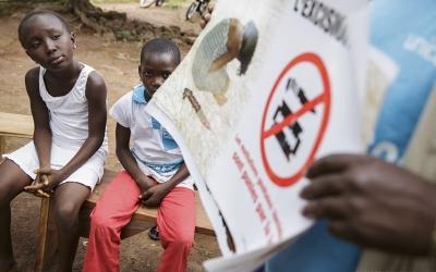 Sensibilització a possibles víctimes de mutilació genitatl femenina/ Unicef