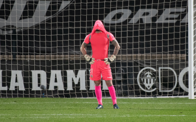 Mackay es lamenta per l'errada del 2-1 | Roger Benet