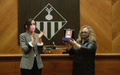 Marta Farrés i Glòria Casaldàliga amb la Medalla de la Ciutat | Ajuntament de Sabadell