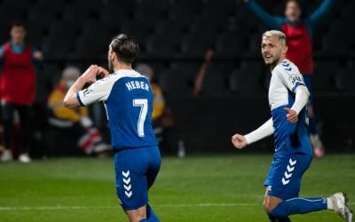 Heber, celebrant el gol de penal a Castàlia | Roger Benet