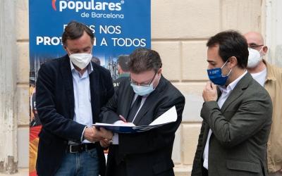 El Partit Popular de Sabadell informa que ha recollit 400singaturesde suport als cossos de seguretat | Roger Benet