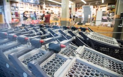 Carros de supermercat durant la pandèmia | Roger Benet