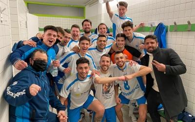 Celebració al vestidor del Natació Sabadell dissabte al Pavelló Nord | Adrián Arroyo