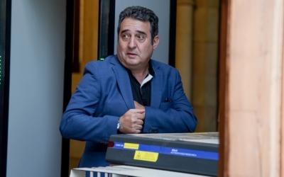 Manuel Bustos, sortint dels Jutjats   Roger Benet