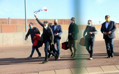 Els set presos sortint de Lledoners després d'obtenir el tercer grau | ACN