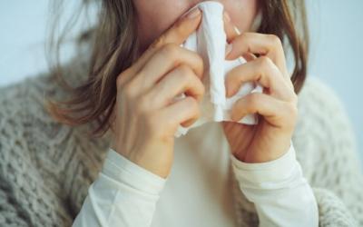 Una dona amb congestió nasal/ Alliance