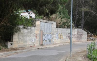 Façana de l'immoble del número 39 del carrer Segadors de Rubí on un intent de robatori ha acabat amb un mort i un detingut | ACN
