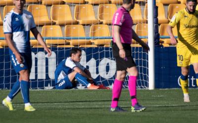 Josu, trencat després de l'1-0 | Roger Benet