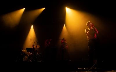 Els Manel presentaven 'Per la bona gent' però tanbé un grapat de cançons publicades fa un any  en format EP | Roger Benet