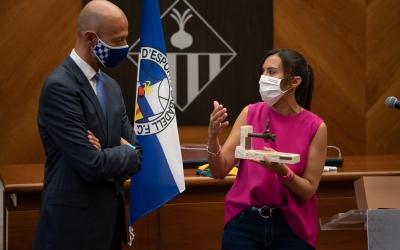 El president Calzada i l'alcaldessa Farrés fa 10 mesos en una recepció a l'Ajuntament | Roger Benet