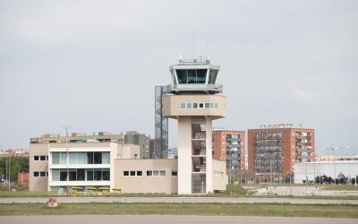 Torre de control de l'Aeroport de Sabadell | Roger Benet