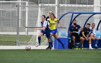El femení arlequinat es va acomiadar de la seva afició en un xoc ple de gols | CE Sabadell