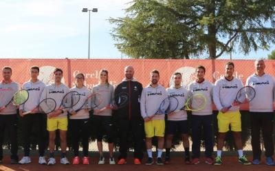 Barrientos (centre) amb el que fins ara era el seu equip tècnic | Cercle Sabadellès