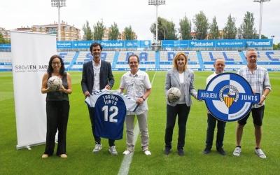 Fotografia oficial de l'acord | CES