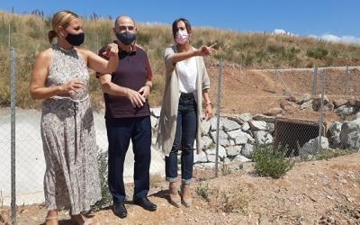 Menor, Farrés i Garcés davant del nou col·lector de Can Gorg | Cedida