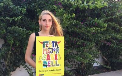 La guanyadora Júlia GonzálezPiñol i el cartell de la Festa Major 2021 | Ràdio Sabadell