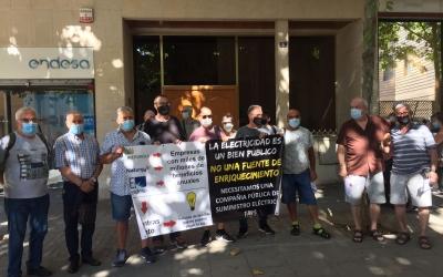 Els concentrarts aquest matí a la seu d'Endesa | Ràdio Sabadell