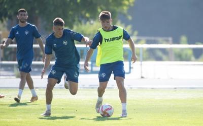 Aarón Rey ja s'entrena amb normalitat amb l'equip | Roger Benet