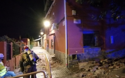 Explosió de gas a l'interior d'un habitatge de Sabadell amb ferits per cremades lleus | Bombers