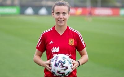 Candela Andújar amb la samarreta de la selecció espanyola | Twitter