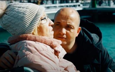 José Codina i la seva mare en un fotografama del documental | Cedida