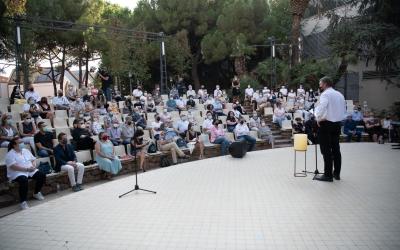 L'acte s'ha fet a l'amfiteatre dels Jardinets | Roger Benet