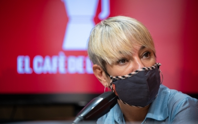 Lourdes Ciuró durant l'entrevista a El Cafè   Roger Benet
