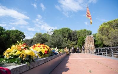 Rams de flors al pont del Parc Catalunya | Roger Benet