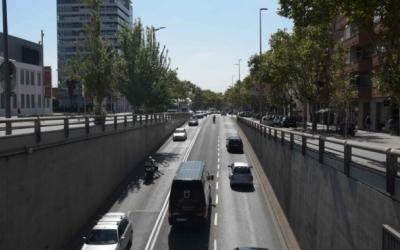 Imatge de la Gran Via, amb el trànsit habitual/ Roger Benet