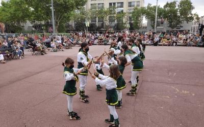 Els Bastoners de Sabadell en una actuació aquesta tarda | Pau Duran
