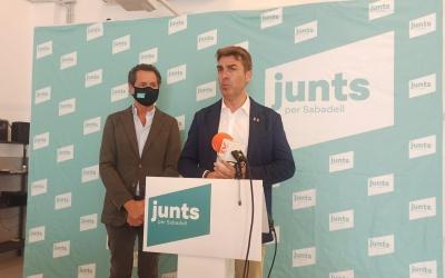 El regidor Quim Carné, en primer pla, i el portaveu Lluís Matas | Ràdio Sabadell
