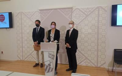 D'esquerra a dreta, Lluís Matas, Marta Farrés i Yasushi Sato | Pere Gallifa
