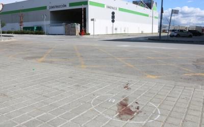 Restes de sang al polígon Via Sabadell | Albert Segura (ACN)